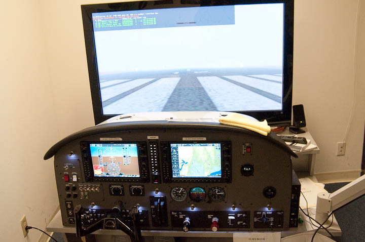 California Airways G1000 Simulator at KHWD